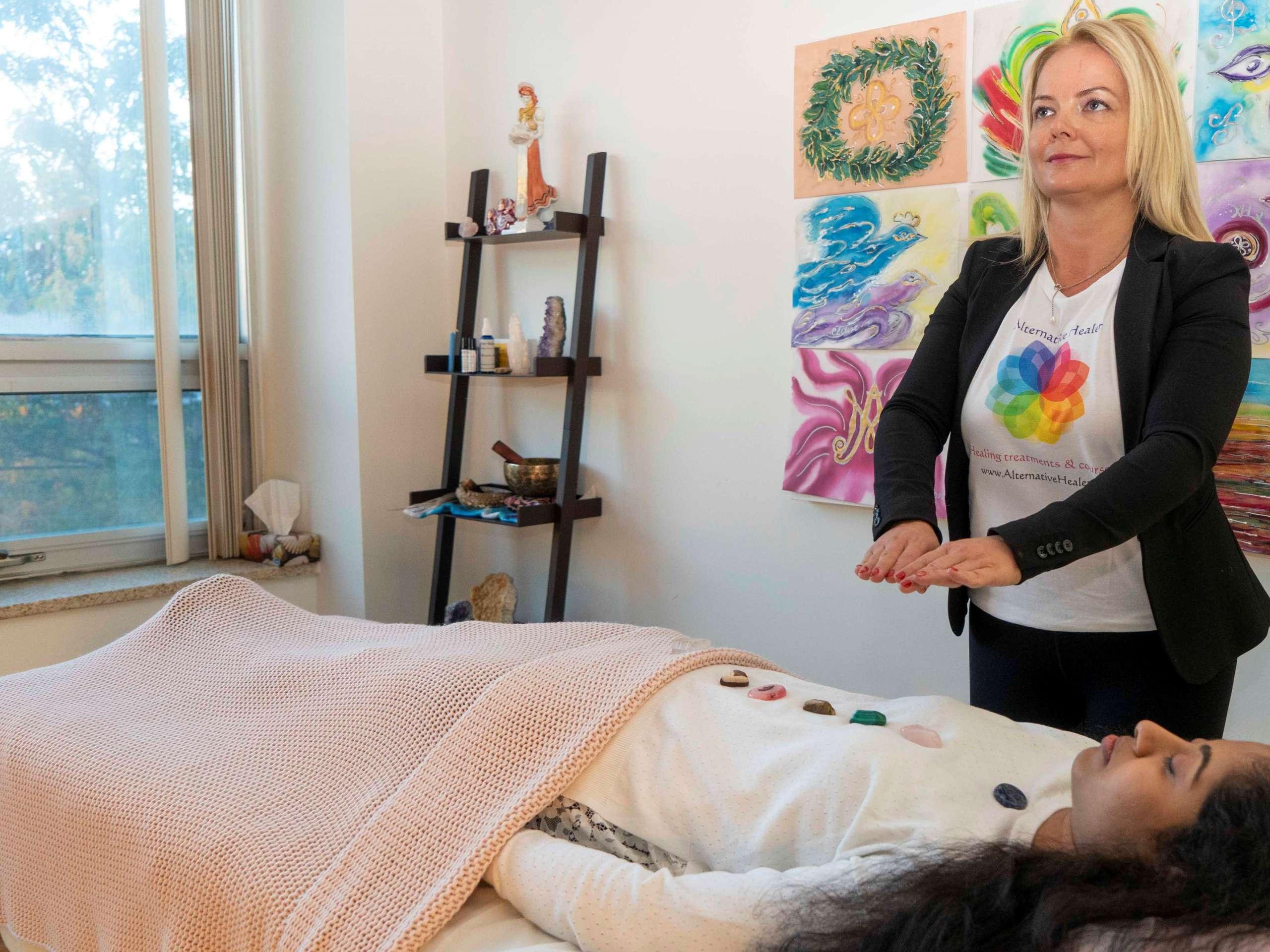 Alternative healer - Marta Melinda Pap
