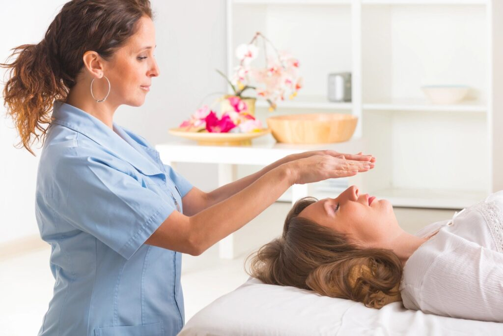 Reiki healing course online